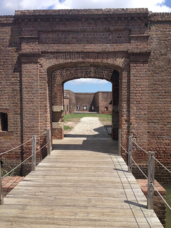 fort_gate01_web